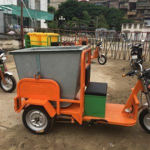 Xe chở rác 3 bánh chạy điện thùng tôn 500L